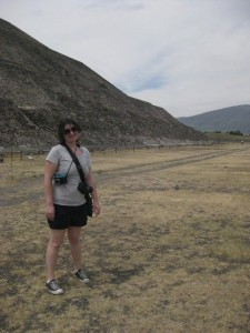 Picture of the author in front of the Pyramid of the Sun at Teotihuacan